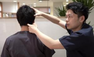 後頭下筋の触り方1